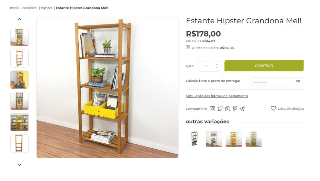 descrição de produto da loja tadah design fala sobre as características de uma estante de madeira