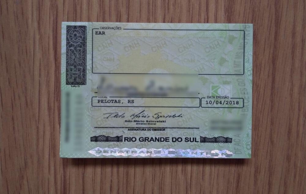verso de uma carteira de motorista