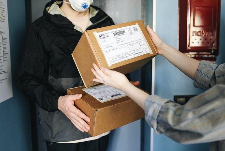entregador de encomendas