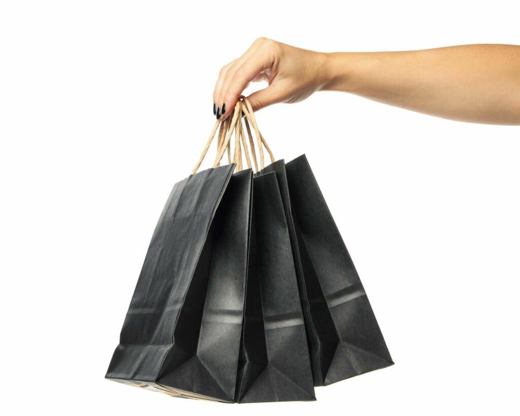 Kits ajudam a resolver o problema do frete mais caro que o produto (Imagem: Freepik)